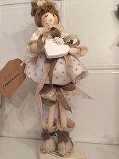 Idea regalo, graziosa bambolina