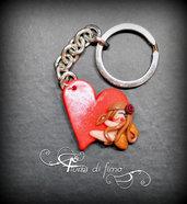 ciondolo cuore fimo| ciondolo cuore| cuore fimo| fata fimo| ciondolo portachiavi cuore e fatina| accessori fimo| portachiavi fimo cuore
