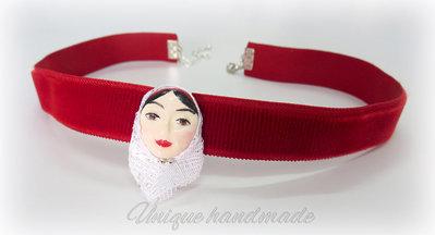 Collarino di velluto rosso