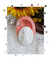 Stampo *Ovale con bambina che prega*