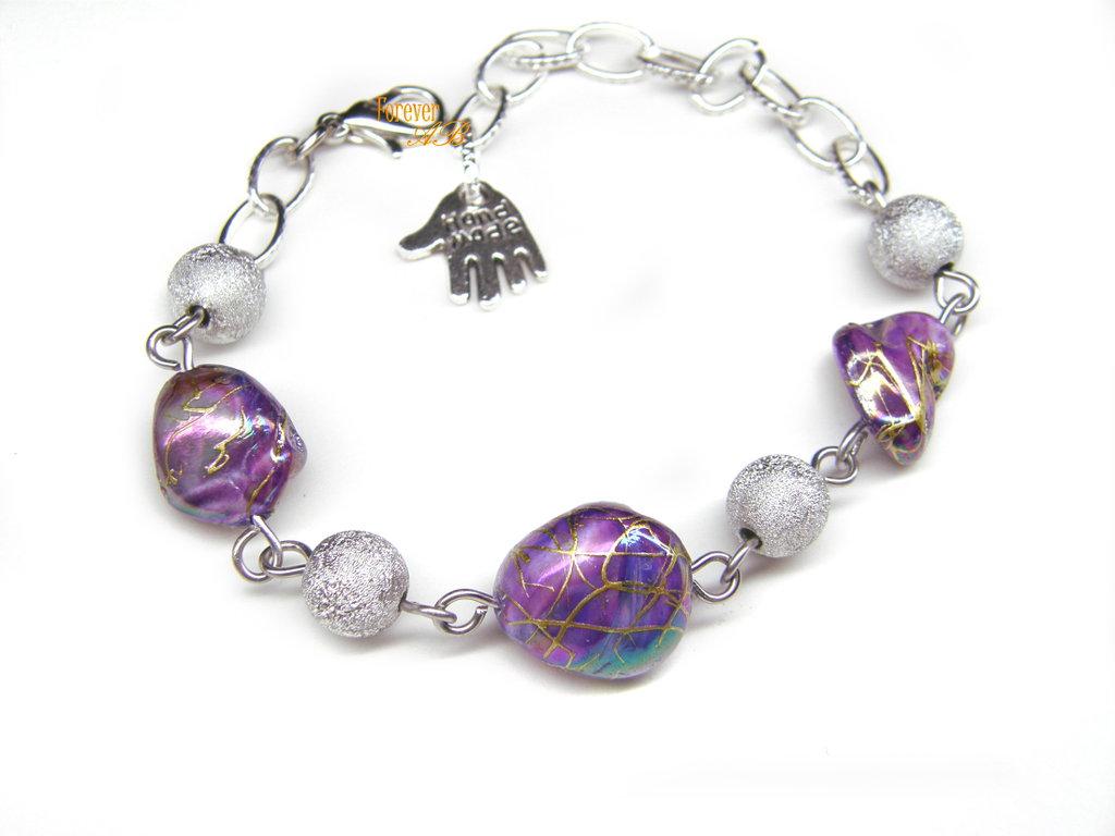 Braccialetto con perle di forma irregolare viola idea regalo fimo ragazza donna