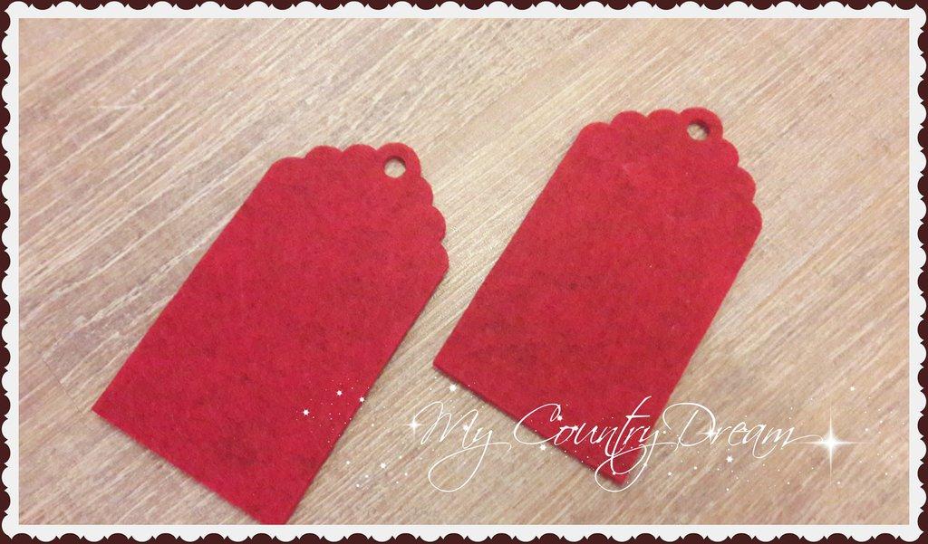 Tags in feltro rosse