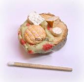 Miniatura in pasta polimerica su base in legno - Formaggi e salumi- Decorazione cucina