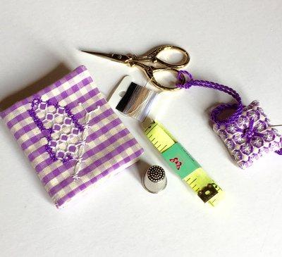 Accessori per primo cucito e riparazioni sartoriali- farfalla ricamata