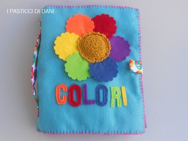 QUIET BOOK, LIBRO TATTILE DEI COLORI