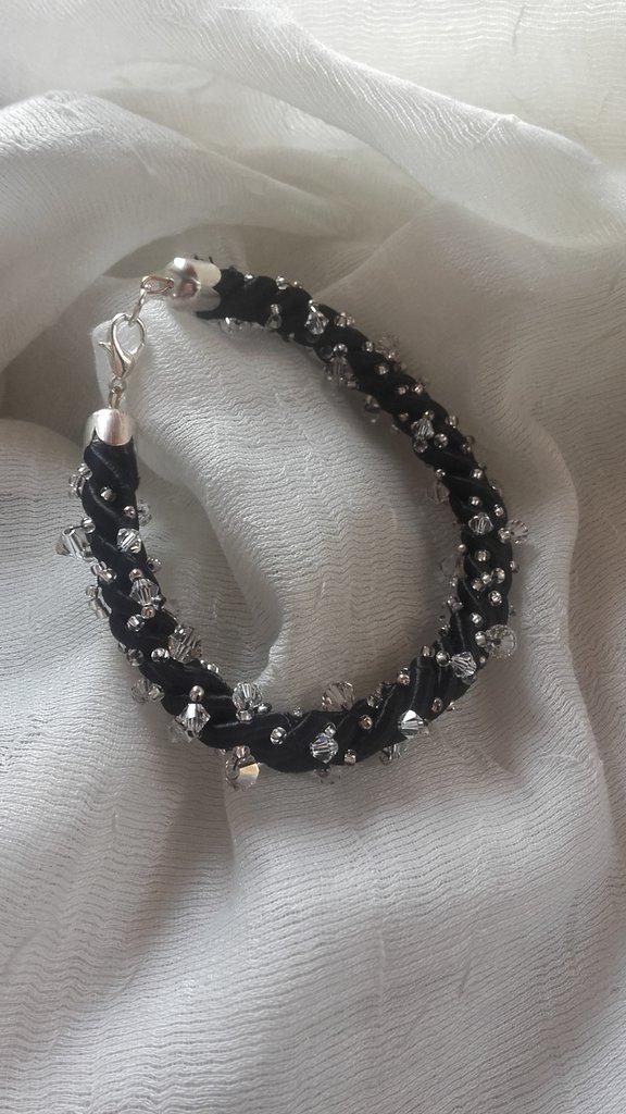 Bracciale torchon nero con cristalli Swarovski