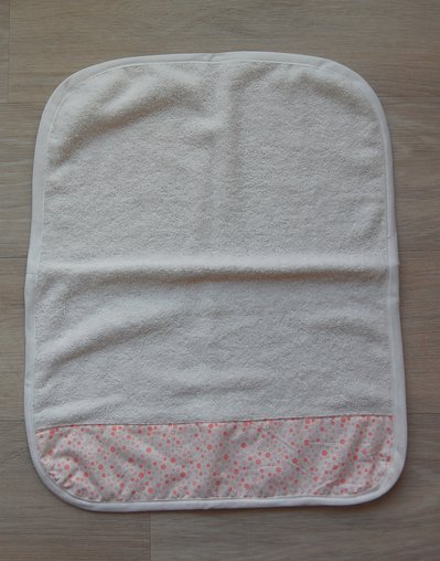 asciugamano asilo in spugna a pois rosa