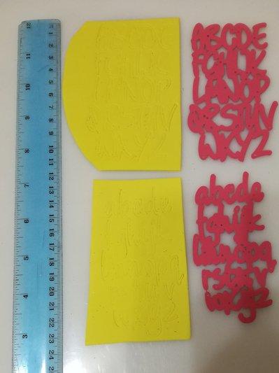 Fustellato alfabeto crepla