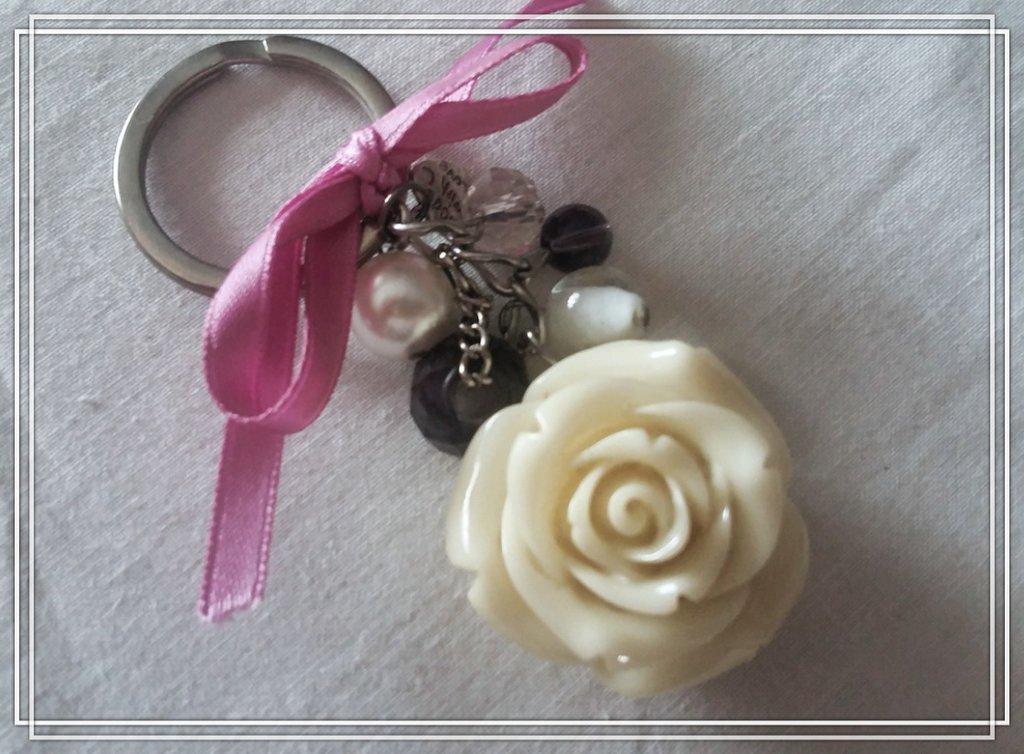 Portachiavi Romantico Rosa Bianca
