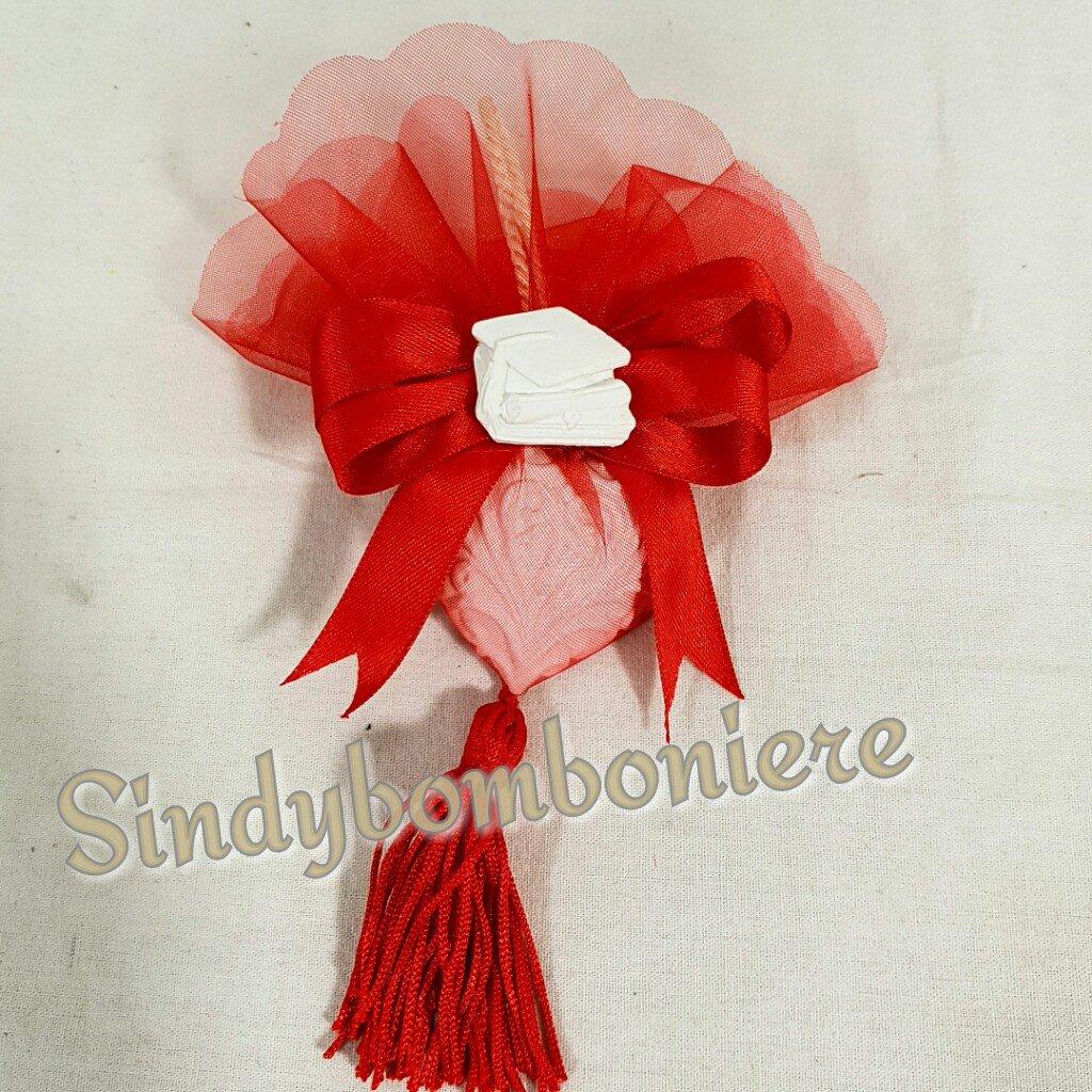 Confezione BOMBONIERA gessetto CUORE/LAUREA con tulle  rosso PENDENTE con fiocco in raso e nappina rossa