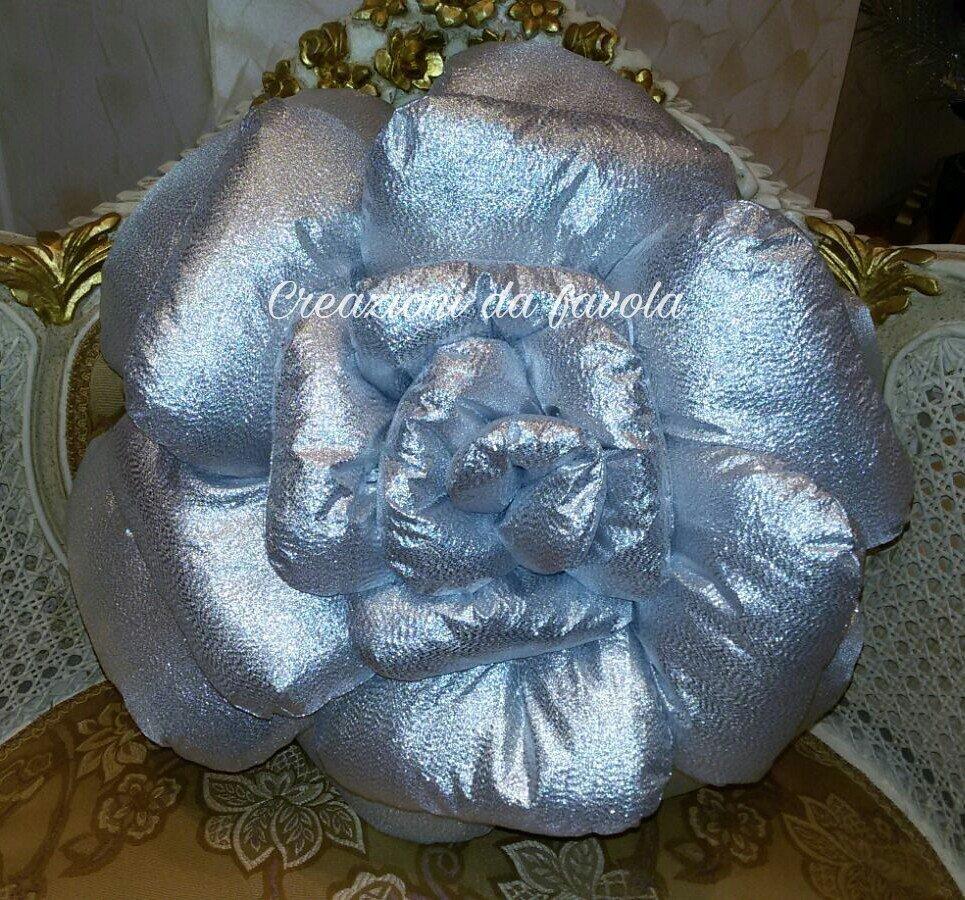 Cuscino a rosa 50 cm argento
