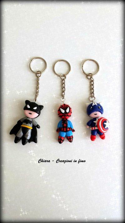 Portachiavi in fimo handmade Supereroi Batman Uomo ragno Capitan America idee regalo festa del papà regalo