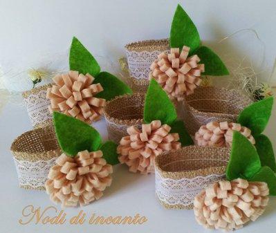 Portatovaglioli in juta con decorazione in feltro idea regalo per la tavola