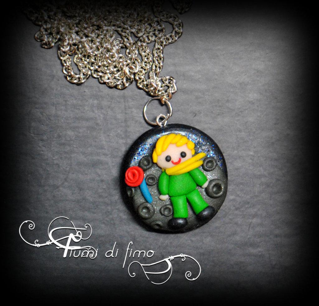 ciondolo piccolo principe| piccolo principe fimo| ciondolo fimo| gioielli fimo| il piccolo principe e la sua rosa| collana piccolo principe
