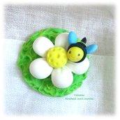 Decorazione apina su fiore- idea bomboniera segnaposto