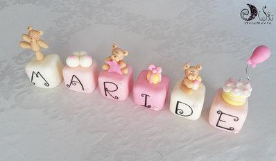 Cake topper cubi con orsetti in scala di rosa Maride cake topper per bimba personalizzabile - 6 cubi 6 lettere