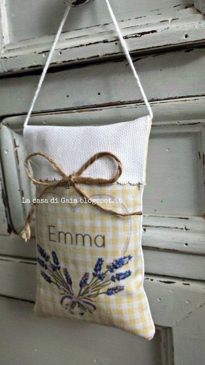 Sacchettini segnaposto personalizzati imbottiti con lavanda