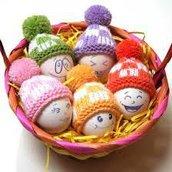 cappellini all'uncinetto per uova