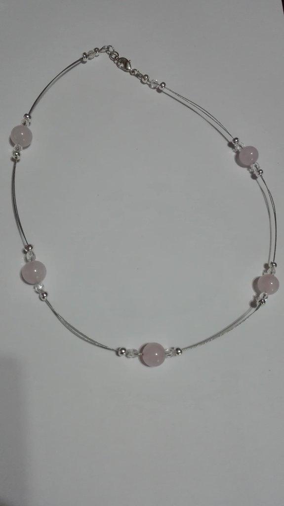 collana di perle di quarzo rosa molto elegante