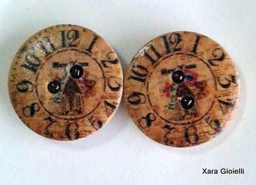 Orecchini a lobo in legno decorato