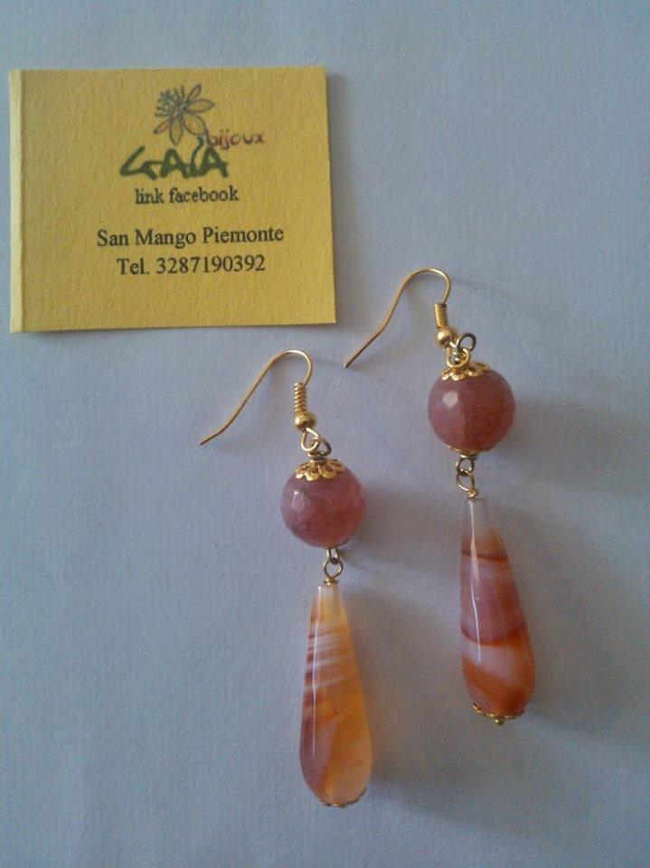 Orecchini in agata rosata e arancio, pallina e goccia striata