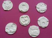 Medaglioni in polvere di ceramica con cani e gatti