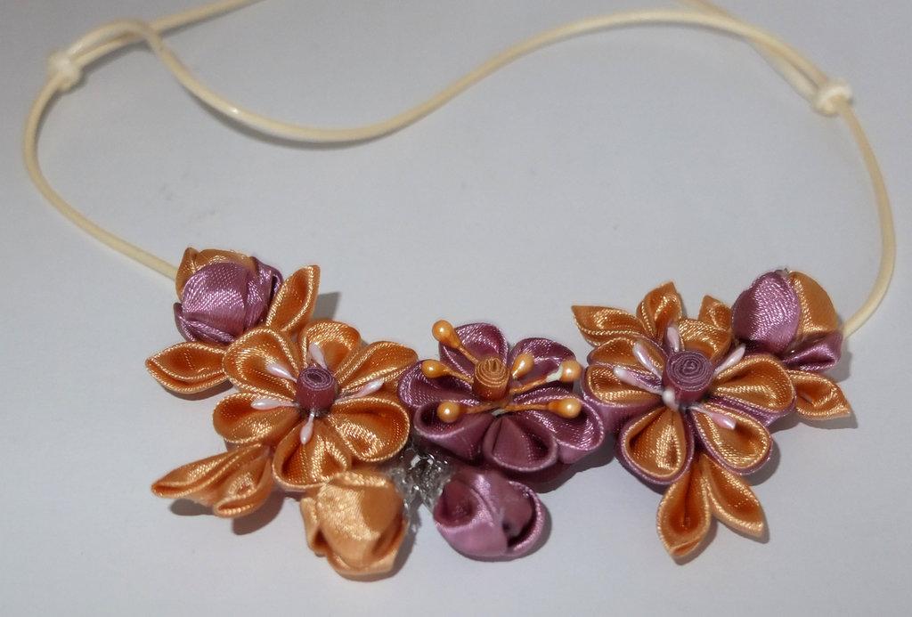 Collana kanzashi colore oro e rosa antica