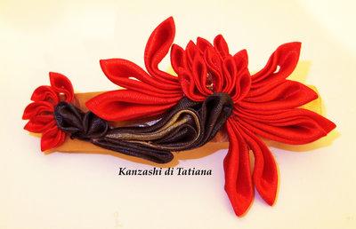 Fermaglio kanzashi fiore rosso