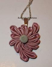 Ciondolo kanzashi fatto a mano fiore colore rosa antica