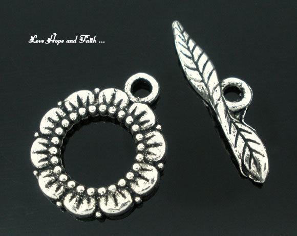 """Chiusura a """"T"""" color argento """"Fiore vintage""""  (20x17mm24x6mm) (scod.05579)"""