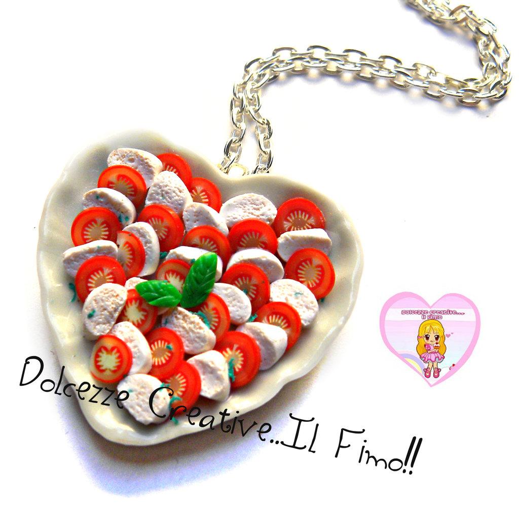 Collana Piatto a cuore - Caprese - pomodoro e mozzarella con origano e basilico
