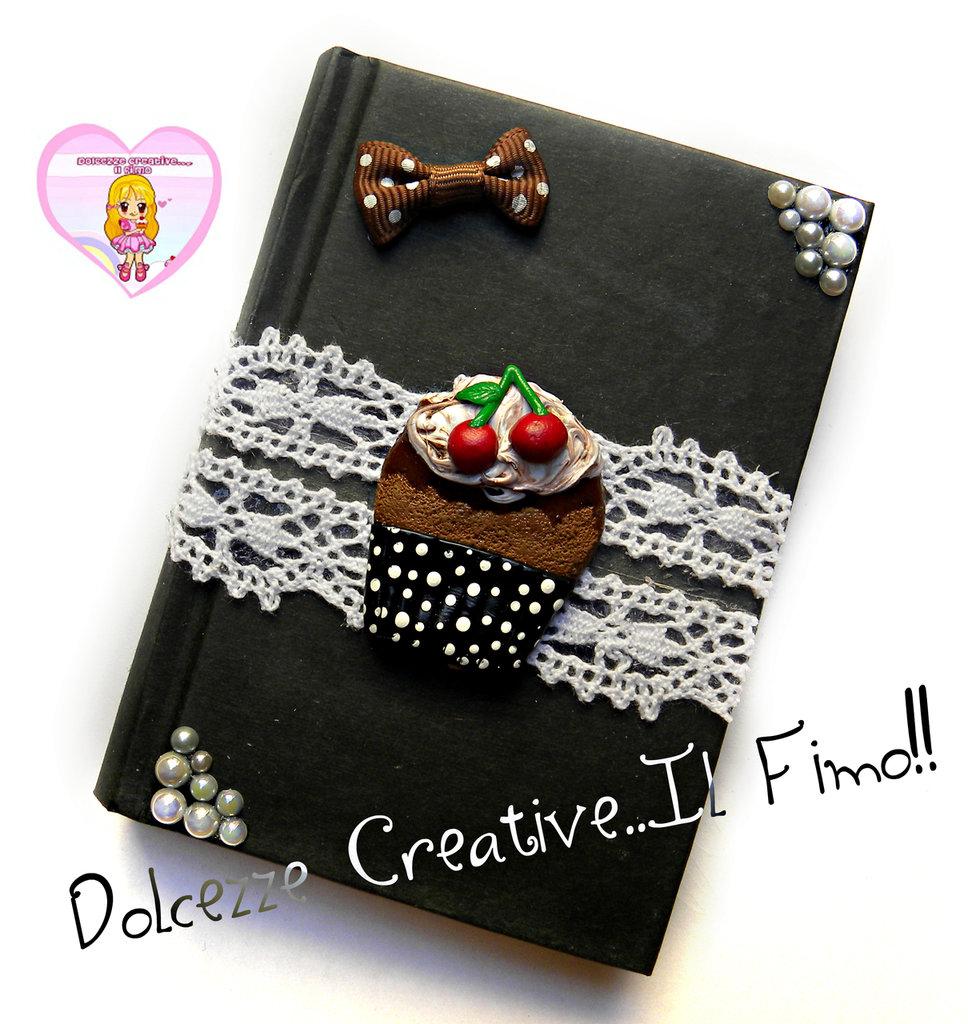 Quaderno da borsa a righe -agenda -  IDEA REGALO - Con cupcake fiocchi e merletto