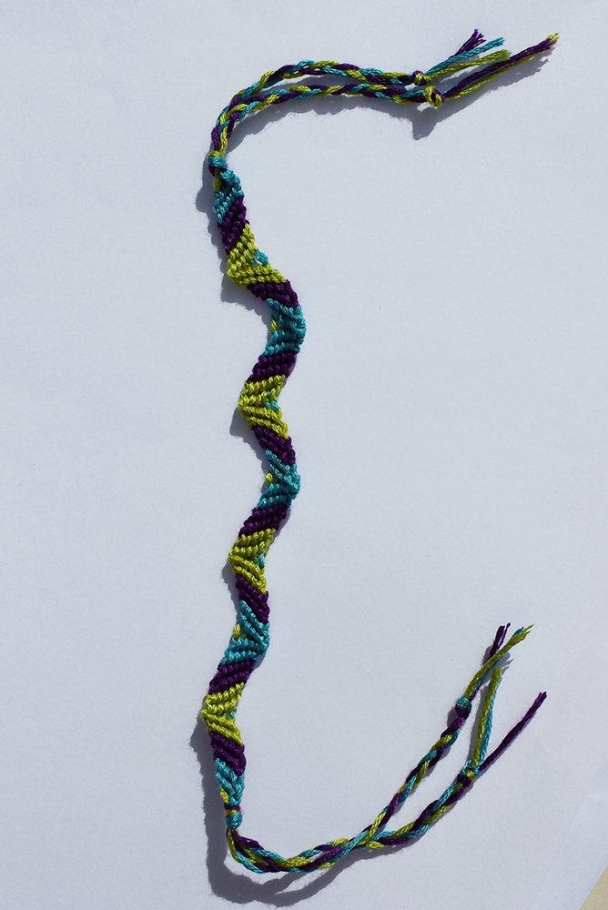 Bracciale dell'amicizia a zig zag azzurro/viola/verde