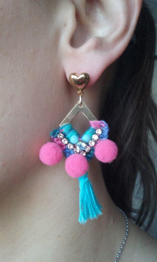 orecchino uncinetto metallo swarovski nappino azzurro turchese rosa