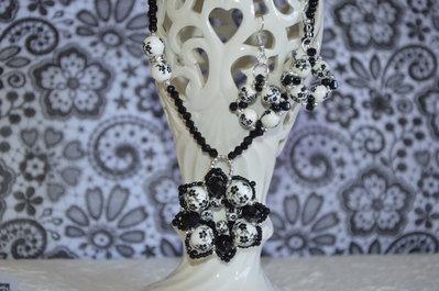parure collana + orecchini bianca e nera con perle di ceramica