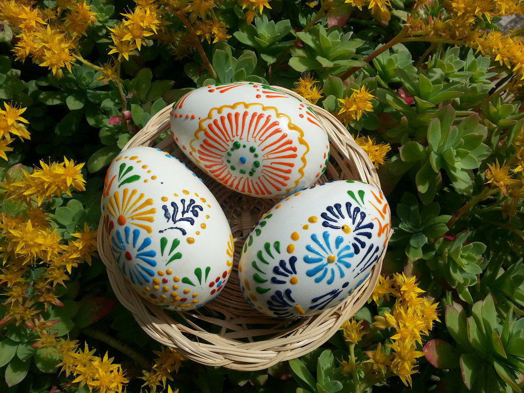 Decorazioni pasquali uova dipinte a mano per la casa e - Uova di pasqua decorati a mano ...