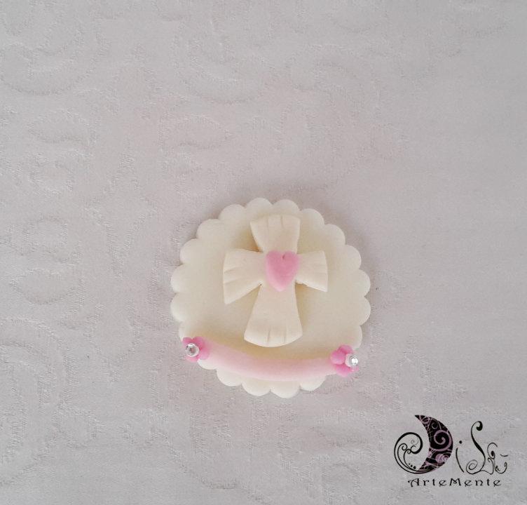 bomboniere calamite prima comunione Le Medaglie croce con cuore e fascia rosa per bimba personalizzabili con nome