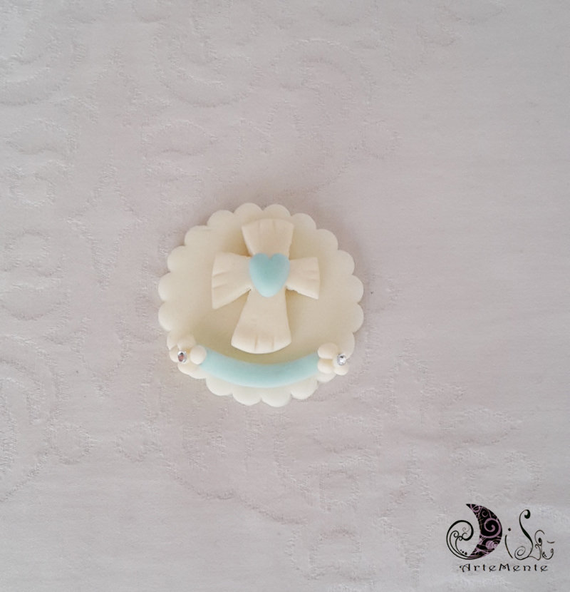 bomboniere calamite prima comunione Le Medaglie croce con cuore e fascia celeste personalizzabili con nome