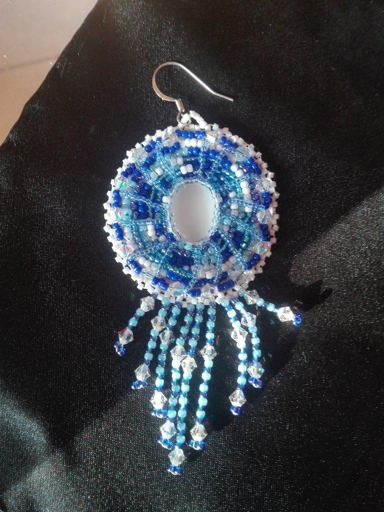 Orecchino pendente  Colori blu e bianco