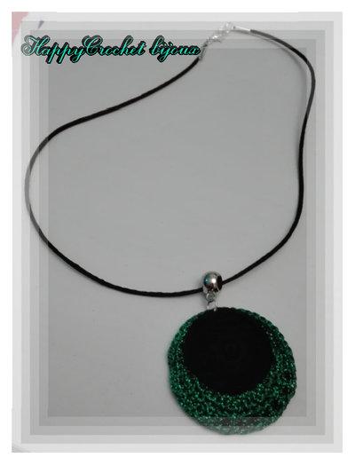 Collana cerchi nero verde brillante