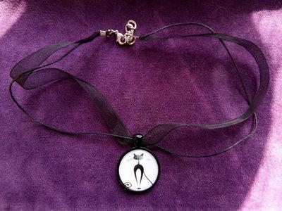 *Cabochon in vetro di gatto con necklace di organza nera*