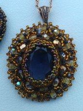Collana e orecchini con cabochon Swarovski