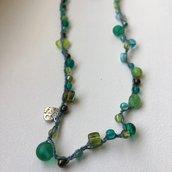 Collana/bracciale verde all'uncinetto con perline - s003