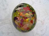 Uovo di struzzo, vero, dipinto in olio di picnic in giardino