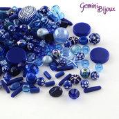 Lotto 50 grammi perle acrilico mix di forme, blu