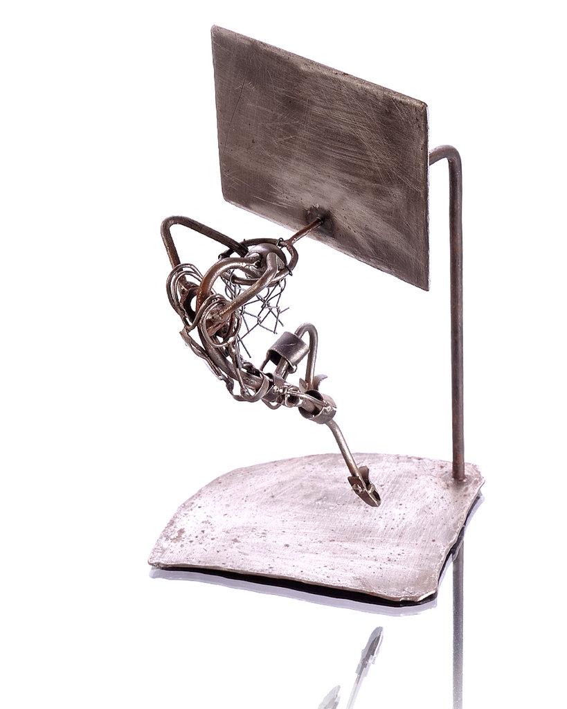 Scultura pallacanestro metallo
