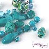 Lotto 50 grammi perle acrilico mix di forme, turchese