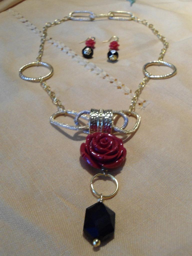 parure collana/orecchini rose rosse