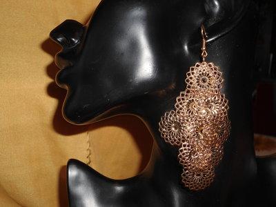 orecchini pendenti satinati