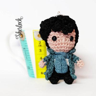 Sherlock amigurumi portachiavi pupazzo uncinetto